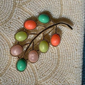Vintage 1960s Sarah Coventry Candy Lane brooch